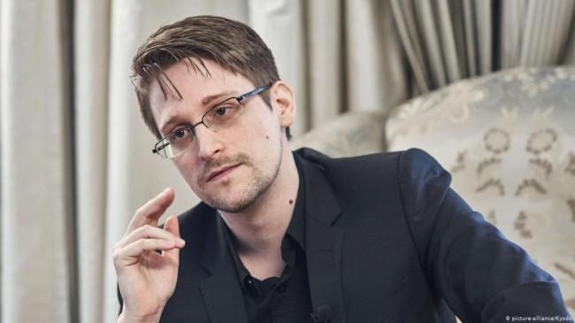 ABD'nin gizli belgelerini sızdıran bilgisayar uzmanı Edward Snowden, Rusya vatandaşı oluyor