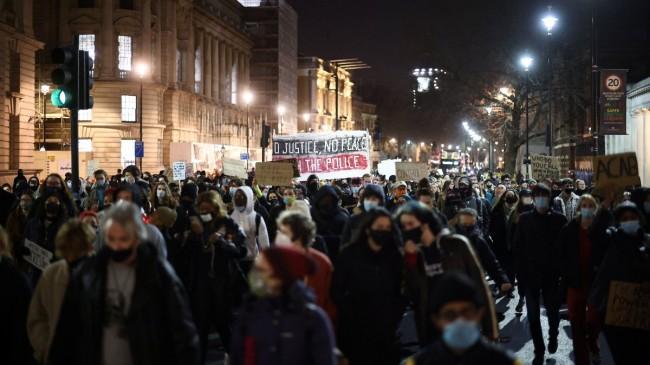 İngiltere'de Sarah Everard protestosu