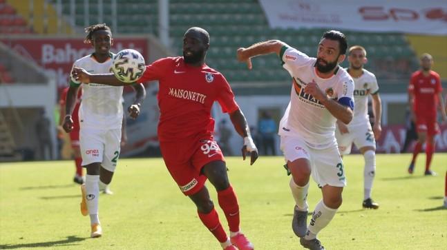 Alanyaspor evinde Gaziantep'i 3 golle mağlup etti