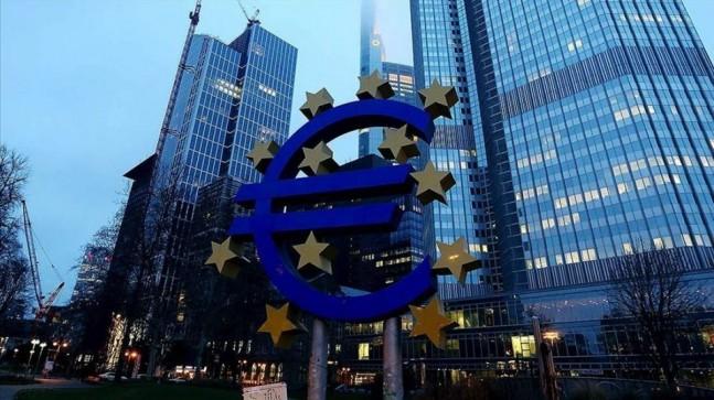 ECB politika ve mevduat faizini sabit tuttu