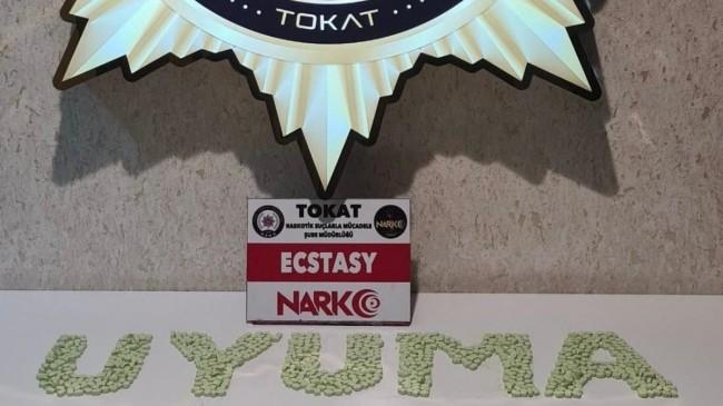 Tokat'ta uyuşturucu operasyonu: 2 bin 80 adet extacy hap ele geçirildi